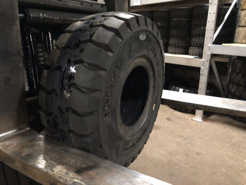 23x9-10 ITL Solid Pneumatic Tire Rim Size 6.50 Forklift Tires NashFuel