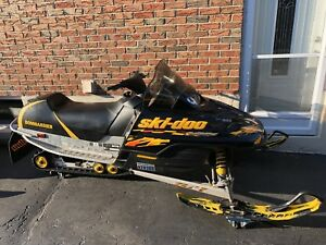 2003 Ski Doo MXZ 500 *Low KMS*