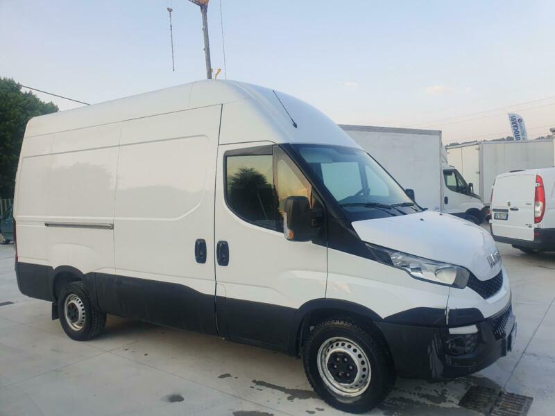 IVECO Daily Daily 35S15D 2.3 HPT PL-DC Cabinato