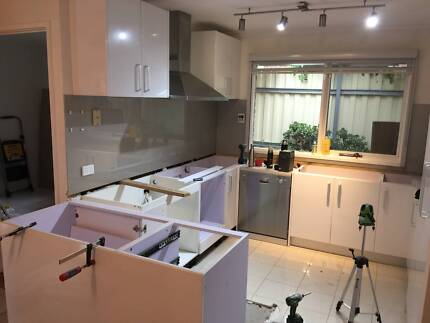 Complete Kitchen Cabinets with 2PAC Gloss White Door 198