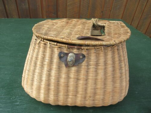 Vintage Wicker Leather Fly Fishing Trout Creel Basket GREAT DECORATION