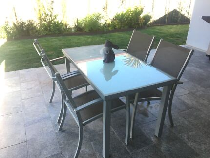 Silver Glass and Aluminum Outdoor Table and Chair Setting 4 Seat
