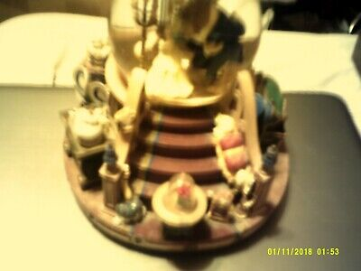 1991 Beauty and the Beast Musical Water Globe Snow Globe in perfect condition