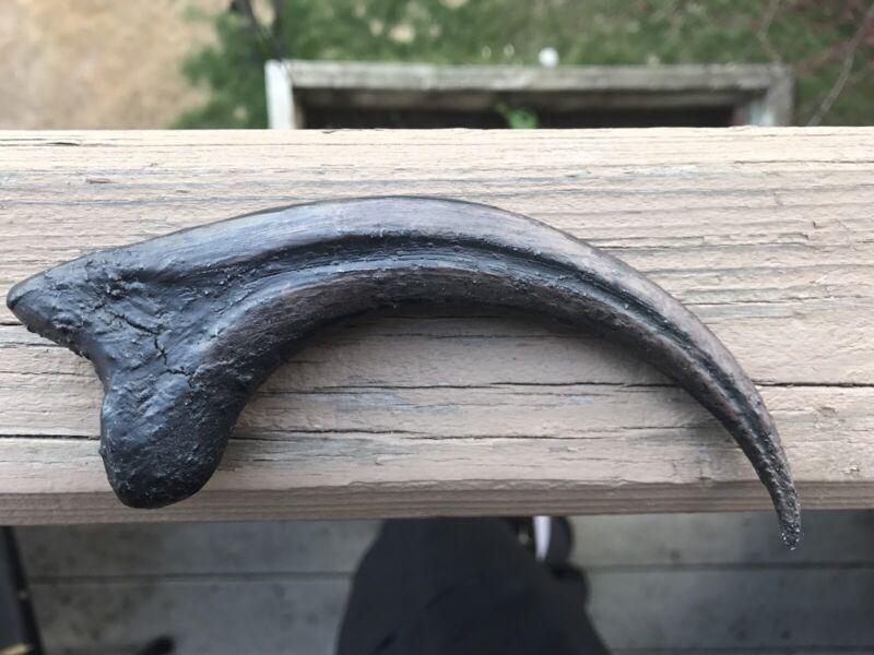 Jurassic Park Raptor Claw