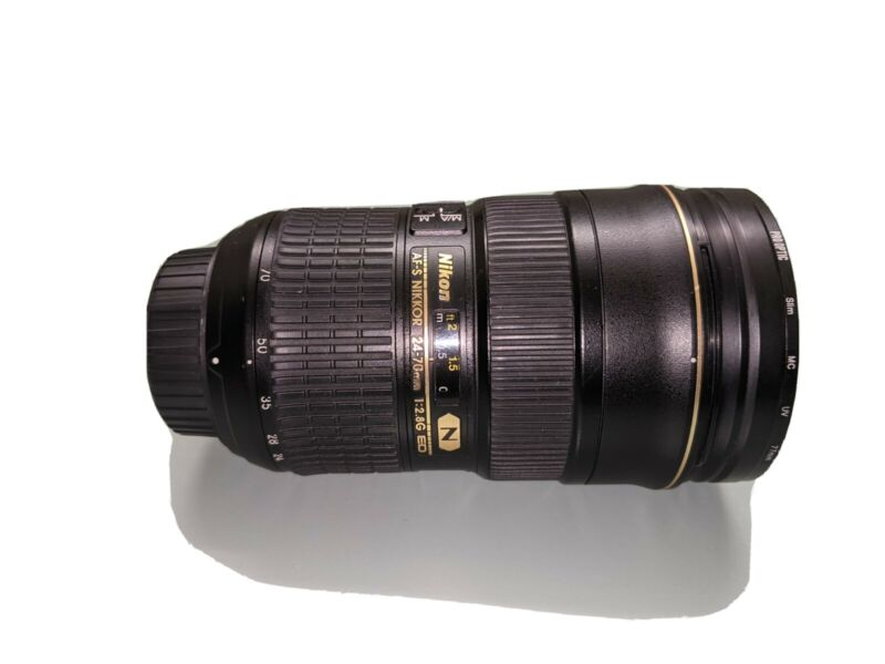 Nikon Nikkor 70mm f/2.8 Lens