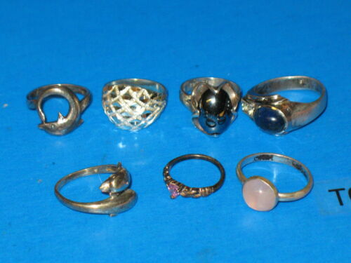 Preowned ~ LOT of 7 assorted Women