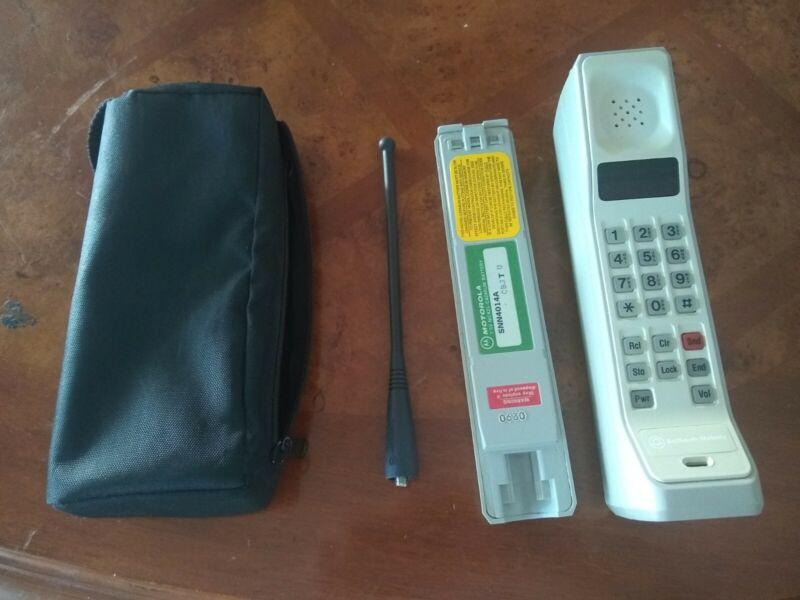 Motorola OEM DynaTAC 8000M F09LFD8458BG BellSouth Mobility Brick Cell Phone