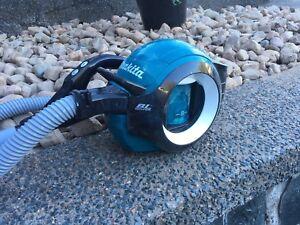 Makita cordless vacuum