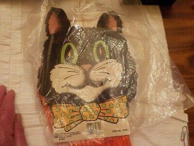 A Halloween Cat (1989 ARKIN A-OK PRODUCTS HALLOWEEN WIND STREAMER)