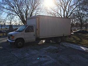 Ford 2004 - E450 Super Duty 16' Box with tail lift