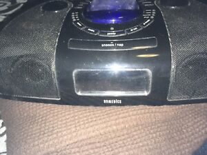 Homedics alarm ipod clock /dock