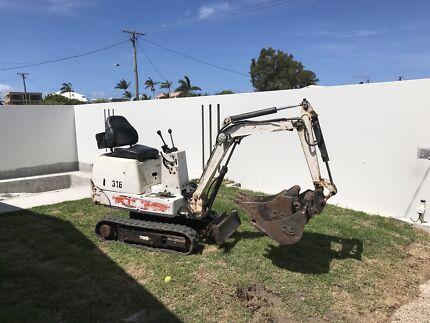Bob cat excavator 316