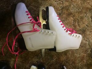 Ladies size 8 skates
