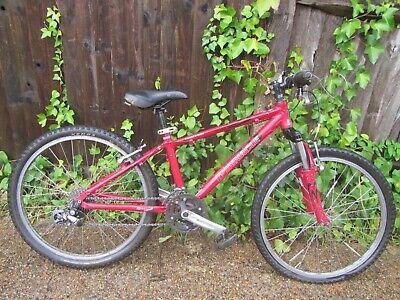 "Pinnacle 24 Kids Aluminium Mountain Bike - 24"" Tyres - Needs work"