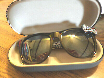 Sanrio Hello Kitty Black Rimmed Sunglasses with Silver Bow With ZEBRA (Hello Kitty Sunglasses With Bow)