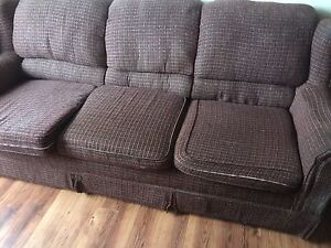 I'm selling a couch