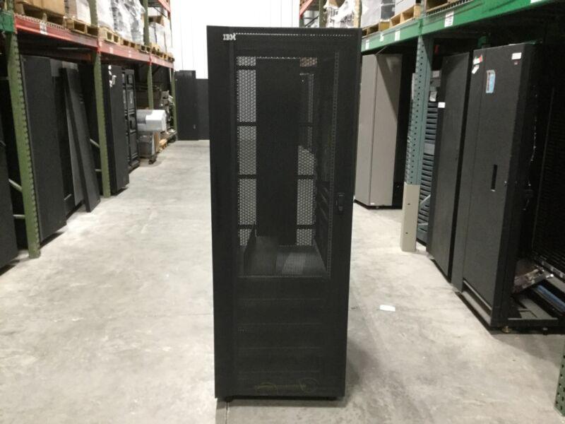 IBM 2101-N00 N Series Storage Rack