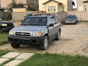 2000 Nissan Pathfinder, fully loaded 4WD