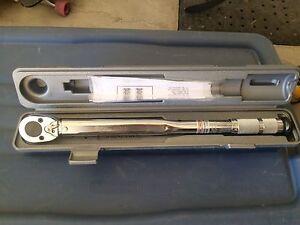 Clée dynamométrique avec micromètre / Torque Wrench