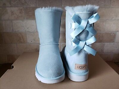 UGG SHORT BAILEY BOW II ETHER BLUE WATER-RESISTANT SUEDE BOOTS SIZE US 8 (Bluewater Boots)