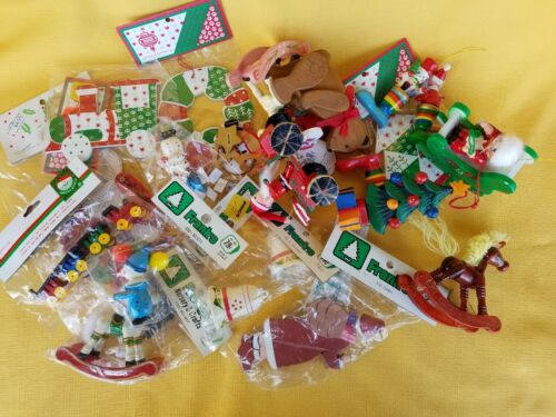 VTG CHRISTMAS - LOT OF 23 WOODEN CHRISTMAS ORNAMENTS - 11 ARE NEW OLD STOCK