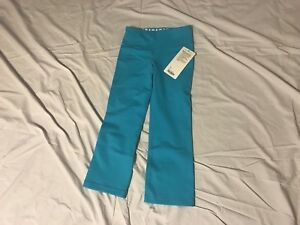 Lululemon Woman's pant in size 2.  New With Tags