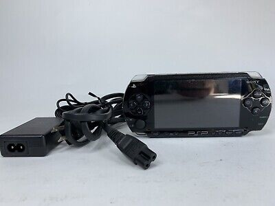 Sony PSP 1000 1001 PlayStation Portable; TESTED; Includes Original charger