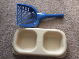 Cat food dish and litter scoop