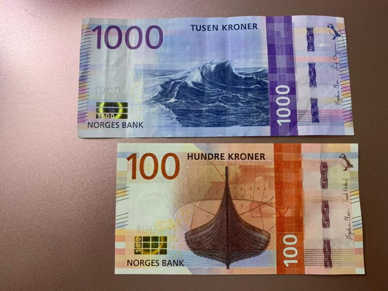 1000 + 100 Norway KRONER Banknote. 1100 Norwegian Kroner Total. 2 Cir Notes.