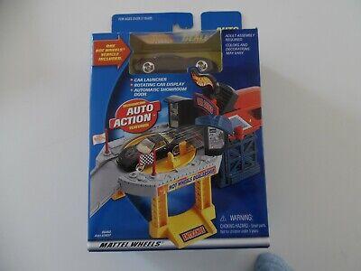 Vintage Mattel Hot Wheels Auto Dealership  Playset 2000 NIB 88460 Corvette Car