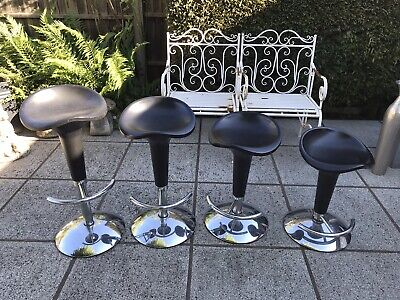 Kitchen Breakfast Bar Stool. With Gas Lift