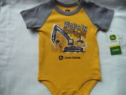 New Baby Boy's 6-9 Months John Deere Bodysuit Shirt Tractors Construction