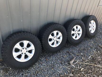 "NISSAN NAVARA NP300 D23 16"" inch Tyres Rims Wheels Alloy package 33"