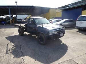 1996 MAZDA B2500 4WD TRAY BACK WRECKING DIESEL Westcourt Cairns City Preview