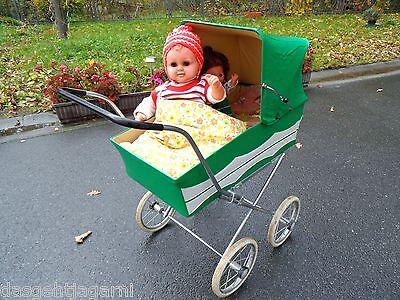 70er Jahre DDR Puppenwagen grün Nostalgie zusammenklappbar + 2 Puppen Zekiwa?