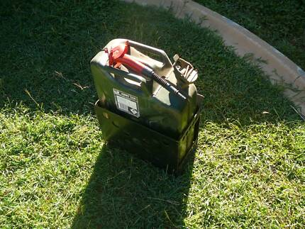 Jerry Can with Holder and Pourer