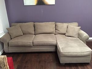 Awesome couch! New low price! London Ontario image 2