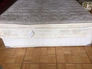Foam mattress (Queen size)