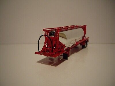 DCP FIRST GEAR 1/64 CHROME AND RED J&L VACUUM PNEUMATIC TANKER