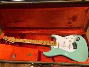 Fender American Vintage Reissue '57 Stratocaster Surf Green