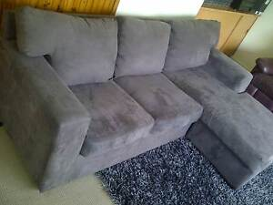 Modern Lounge + delivery Queanbeyan Queanbeyan Area Preview