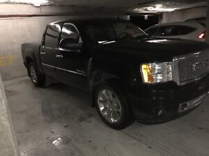 2012 Sierra Denali Pickup 6.2 Litre