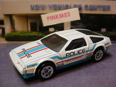 DMC DELOREAN☆white/blue;POLICE☆2018 Hot Wheels Target THROWBACK LOOSE Exclusive