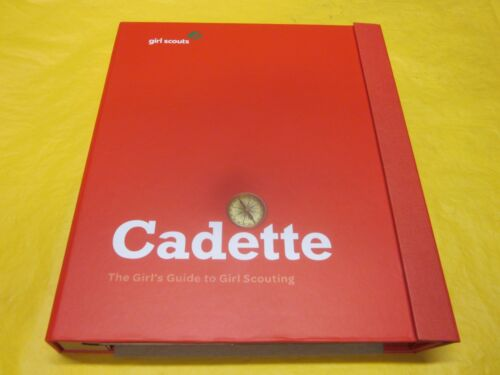 CADETTE GIRL SCOUT HANDBOOK GUIDE TO GIRL SCOUTING ( NEW )