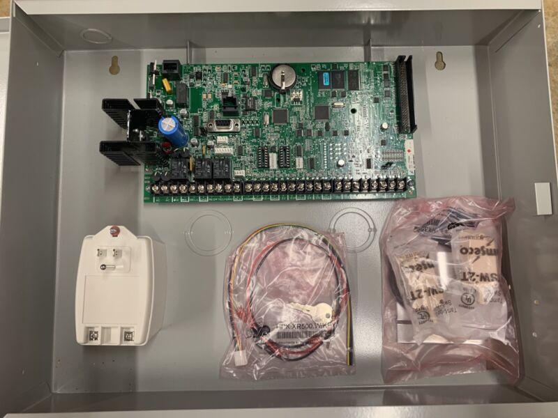 DMP XR500N with keypad
