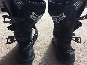 Fox comp 3.   Youth size 1  mx boots
