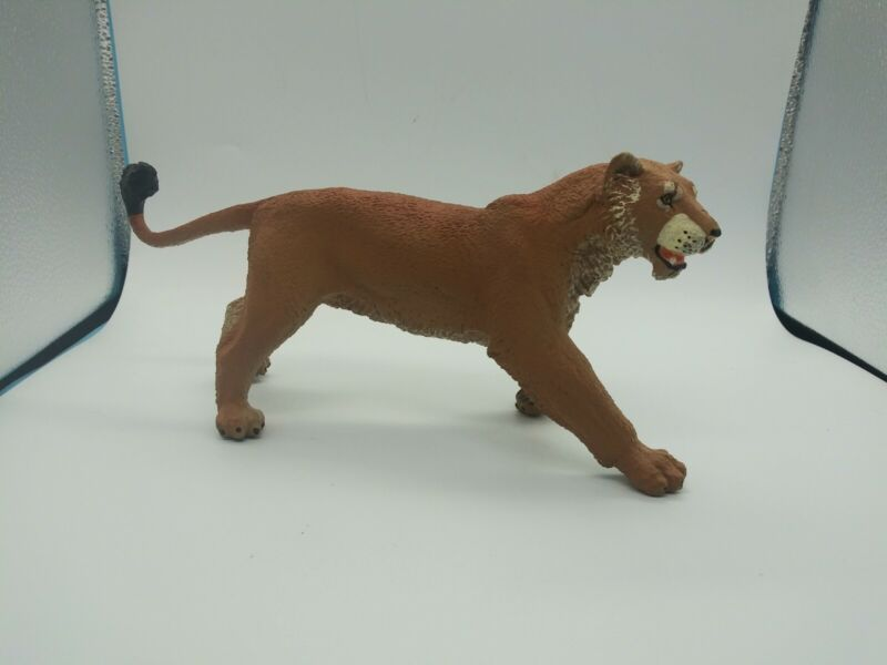 "Vanishing Wild Lion Female Safari Ltd Animal Educational Toy Figure 9"""