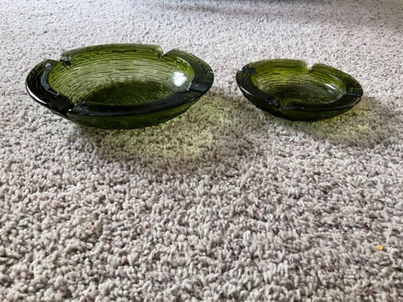 Vintage Anchor Hocking Soreno Avocado green ripple ashtray round glass 8in & 6in