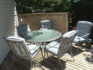Six Piece Deluxe Patio Set - Delivery may be possible.