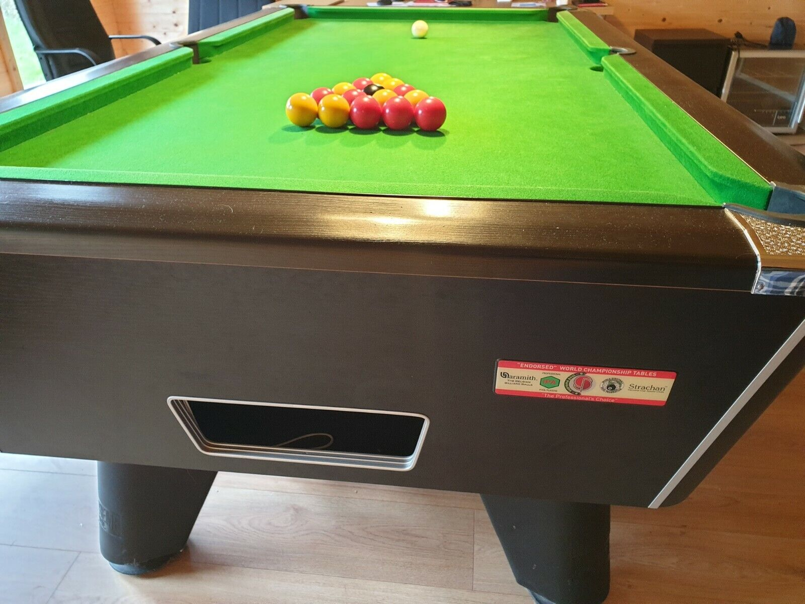 7ft supreme slate bed pool table with hydraulic table trolley, cues, spare balls